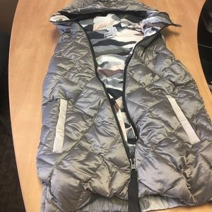 Lulu Camo puffer vest reversible like new Sz 4
